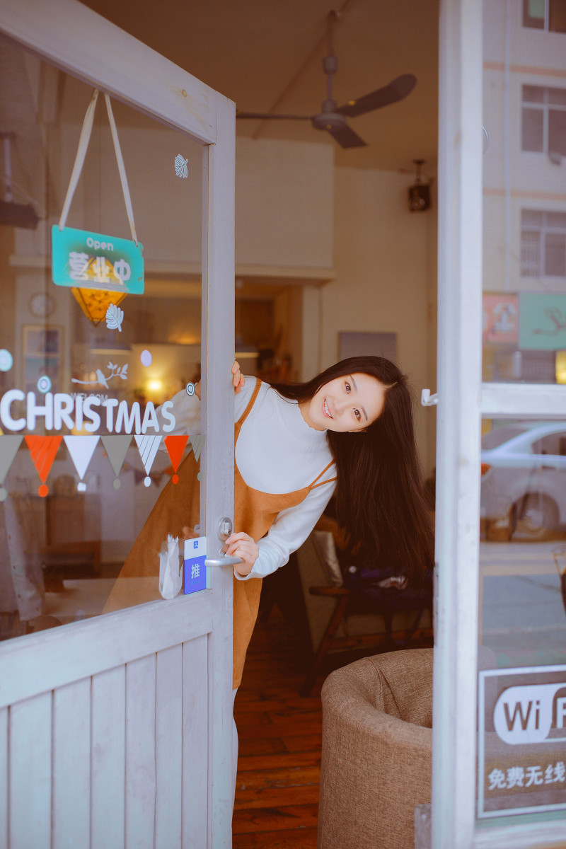 咖啡馆遇见她